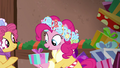 Earth pony passes gift along to Spirit of HW Presents S6E8.png
