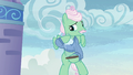 Mr. Shy holding a cloud casing S6E11.png