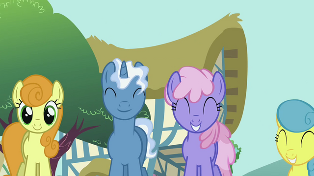 File:Pinkie Pie's song pony crowd 2 S2E18.png