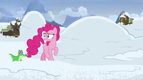 Pinkie Pie getting worried and restless S7E11