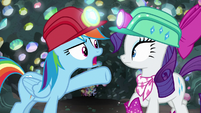 Rainbow Dash -who cares about clothes-!- S8E17