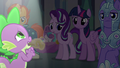 Spike singing his heart out S6E16.png