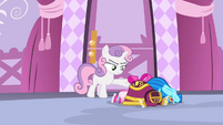 Sweetie with the dresses S4E19