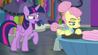"Twilight ""act this way for these customers"" S8E4"