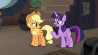 "Twilight ""maybe they just like cruises"" S8E21"