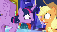 Twilight Sparkle getting in Applejack's face S7E25