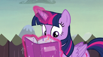 Twilight consults the portfolio once again S5E23