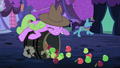 Daisy hitting a barrel of apples S2E04.png