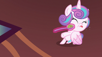 Flurry doesn't want to eat mashed peas S7E3