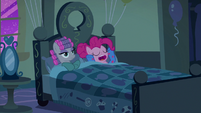 Maud Pie and Pinkie Pie in bed S7E4