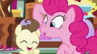 Pinkie Pie imitating a piggy S7E19