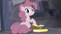 Pinkie complimenting the book she's reading S5E02