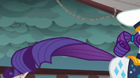 Rarity gallops toward the ship's bow S6E22
