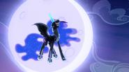 S04E02 Luna jest pewna swojej wygranej