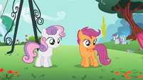 Scootaloo and Sweetie Belle looking S2E06