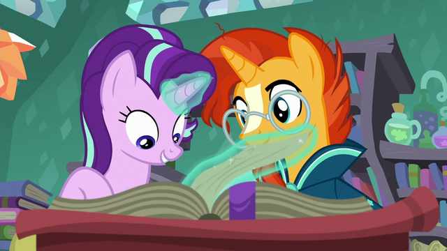 File:Starlight Glimmer flipping book pages S7E1.png