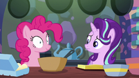 Starlight Glimmer looks at Pinkie Pie S6E21