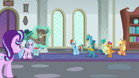 Starlight and AJ separate Yona and Gallus S8E1