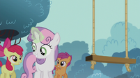 Sweetie Belle fixing a swing set S5E18