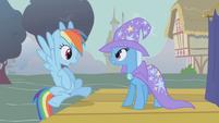 Trixie challenges Rainbow Dash back S1E06