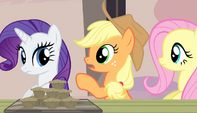 "Applejack ""you gotta eat all of them muffins"" S5E1"