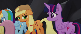 Applejack glaring at Twilight in disappointment MLPTM