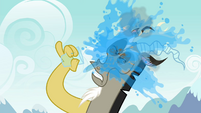 Discord splashes himself with water S4E25