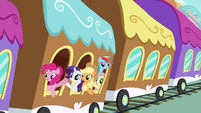 Everypony waving to Twilight S4E1