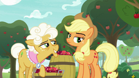 Goldie Delicious looking intrigued S9E10