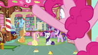 Pinkie's friends thinking about her idea S8E2