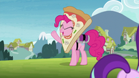 Pinkie talks as Starlight and Maud leave S7E4