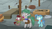 Professor Fossil and foals looking scared S7E25