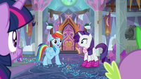 Rainbow Dash invites Rarity to go shopping S8E17