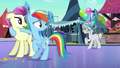 Rainbow looking at Amethyst Maresbury S3E01.png