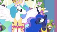 S03E13 Luna spogląda na siostrę
