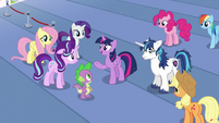 Twilight --head straight to the castle-- S6E1