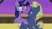 Twilight Sparkle -what time is it-!- S7E22
