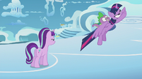 Twilight and Spike fly after Rainbow Dash S5E25