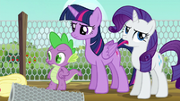 Twilight annoyed; Rarity rolls her eyes again S6E10