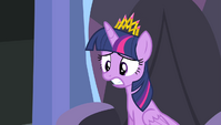 Twilight getting worried S4E24