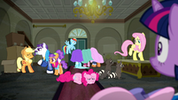 Twilight sees boutique descend into chaos S6E9