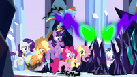 Mane Six caught in Sombra's magic S9E1