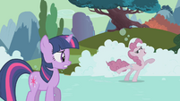 Pinkie soapskating S2E02