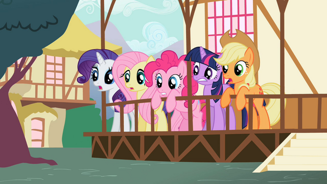 Файл:Ponies looking surprised S2E7.png