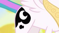 Princess Celestia still has Luna's cutie mark S7E10
