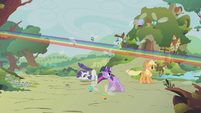 Rainbow soaring around her friends' vicinity S1E10