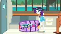 Rarity stands confidently over her luggage EGDS18