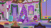 Twilight, Dash, and Spike in messy lounge S8E16