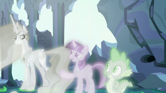 """File:Twilight Sparkle """"she can help them adjust"""" S7E1.png"""