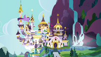Twilight flies to Canterlot S4E25
